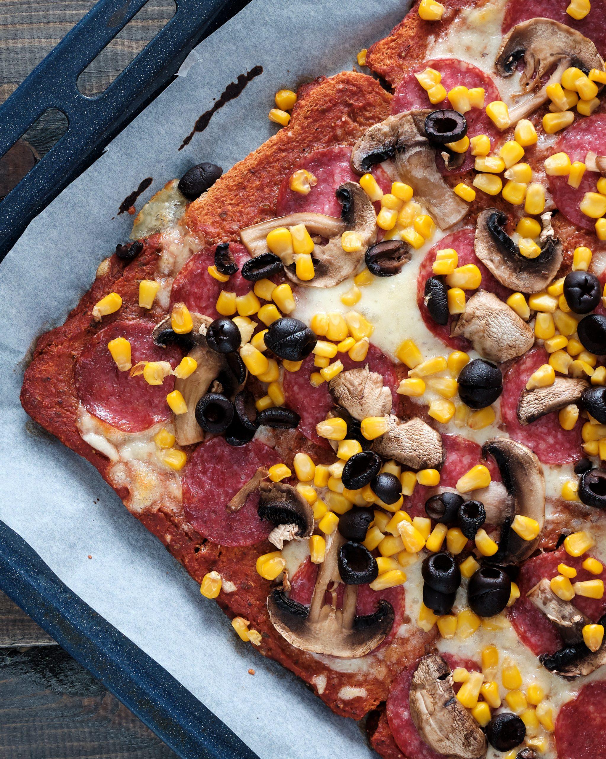 Pizza na Chlebie Tostowym - przepis.